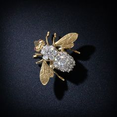 Antique bee broach M