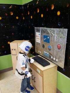 Space dramatic play Dramatic Play Themes, Dramatic Play Area, Dramatic Play Centers, Space Preschool, Space Activities, Preschool Themes, Space Classroom, Classroom Themes, Outer Space Theme