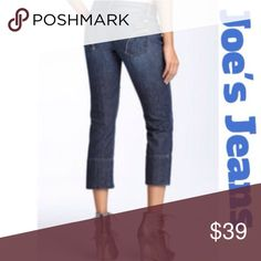 "Joe's Jeans Joe's Socialite Kicker cropped jeans in a miranda wash. 90% cotton, 10% elastomultiester. Measurements are waist laying flat 16 1/2"" across, rise 8 1/2"", inseam 24"" inches. Good condition!!!💙 Joe's Jeans Jeans Ankle & Cropped"