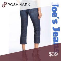 "🎉HOST PICK🎉Joe's Jeans Joe's Socialite Kicker cropped jeans in a miranda wash. 90% cotton, 10% elastomultiester. Measurements are waist laying flat 16 1/2"" across, rise 8 1/2"", inseam 24"" inches. Good condition!!!💙 Joe's Jeans Jeans"