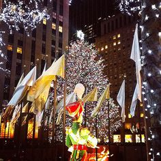 18 stunning photos from the rockefeller christmas tree lighting newyork nyc bigappled - New York Christmas Tree Lighting 2014