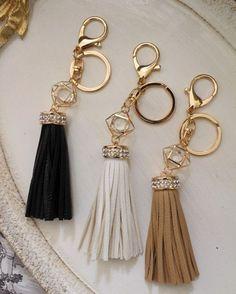 태슬 : 네이버 블로그 Handmade Keychains, Diy Keychain, Tassel Keychain, Leather Keychain, Diy Jewelry, Beaded Jewelry, Jewelery, Handmade Jewelry, Jewelry Making