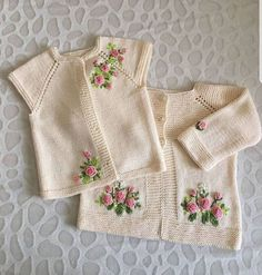 En Çok Sipariş Alan 38 Yelek Örgü Modelleri You are in the right place about Crochet dishcloth Here we offer you the most beautiful pictures. Baby Sweater Patterns, Baby Cardigan Knitting Pattern, Girl Dress Patterns, Vintage Dress Patterns, Baby Knitting Patterns, Knit Baby Dress, Knitted Baby Clothes, Baby Pullover Muster, Vestidos Bebe Crochet