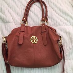Tory Burch replica brown leather purse Tort Burch replica hand bag with cross body strap which clips on and off, lightly used. Tory Burch Bags
