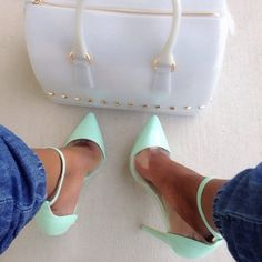 Addicted shopper here I had to go purchase mint pumps!!!! xoxoxox ALC