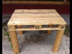 Pallet Table (easy to make DIY) - http://www.freecycleusa.com/pallet-table-easy-to-make-diy/
