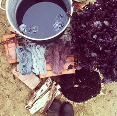 Natural dyeing with sunflower seed hulls: Milkwood Permaculture