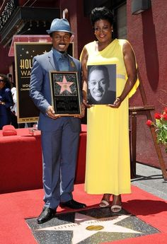 Luther Vandross honored posthumously with star on the Hollywood Walk of Fame. On the left is Luther's best friend/background singer Fonzi Thornton. On the right is Luther's niece, Seveda Williams. Luther Vandross, Black Celebrities, Hollywood Walk Of Fame, Best Friends, Singer, History, Stars, Music, Life