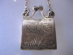 STERLING SILVER ETCHED KISS LOCK LOCKET CHARM 5.6 GRAMS #Locket