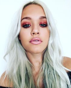 Make-up: lottie tomlinson silver hair pink lipstick eye makeup eye shadow eyelashes