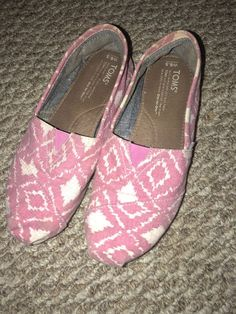 83005430f7c toms size 6.5  fashion  clothing  shoes  accessories  womensshoes  flats  (ebay link)