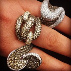 A trio of sweet #ChocolateDiamonds and Vanilla #Diamonds rings...which one is…