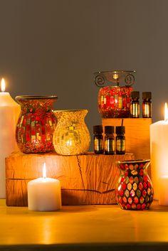Jolie collection de bougeoirs et brûle-parfum pour donner une ambiance feutrée et zen dans votre intérieur. De nombreux modèles : mosaïque, métal, verre. Grossiste en décoration et senteurs pour les professionnels.