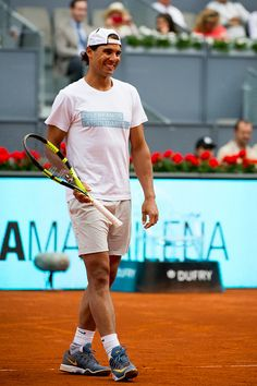Rafael Nadal, Garbiñe Muguruza, Feliciano López, Simona Halep and Marat Safin were just some of the players who helped kick off the Madrid Open on Friday, participating in a charity event with othe…