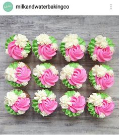 I love free reign on cakes and cupcakes and usually when I do my best work! Vanilla sponge cupcakes with edible cookie dough centers and a… Karlees Cupcakes - Milk and Water Baking co. Pretty Cupcakes, Beautiful Cupcakes, Flower Cupcakes, Fairy Cupcakes, Cupcakes Design, Cake Designs, Cake Decorating Techniques, Cake Decorating Tips, Cookie Decorating