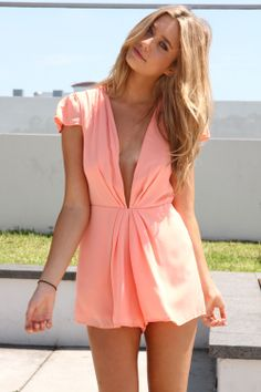 I like a good romper this is the perfect spring color, and a nice tan for blondes