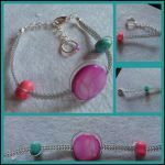macramé bracelet with beading wire, dyed pink shell and two dyed turquoise nuggets in pink and blue. Macrame Jewelry, Macrame Bracelets, Love The Earth, Beading, Shells, Wire, Turquoise, Conch Shells, Beads