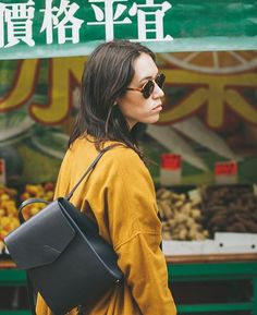 "151 curtidas, 2 comentários - @vereverto no Instagram: ""Mini Macta 💛💚❤️ #rg @charlieandlee #mini #backpack #shoulderbag #convertiblebags #leatherbackpack…"""