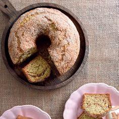Piesang-jogurtkoek met klapperstrooisel Cakes And More, Doughnut, Chocolate Cake, Muffin, Meet, Baking, Breakfast, Desserts, Food