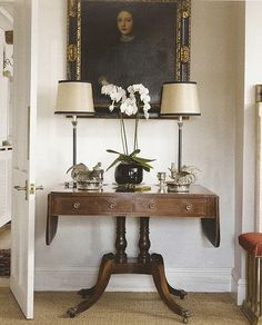 Even a small part of the room can really stand out. Vignette decorating.