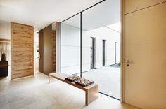 Raumhohe und zargenlose Türen aus Holz