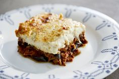 The ultimate gourmet moussaka where beef ragu takes the lace of minced meat and smoked aubergines are added to the bechamel Beef Ragout, Slow Cooked Beef, Bechamel Sauce, Greek Dishes, Moussaka, Roasting Pan, Greek Recipes, Cooking Time, Lasagna