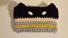 Items similar to Batman inspired Crochet Coffee Sleeve on Etsy Crochet Crafts, Crochet Ideas, Crochet Projects, Diy Projects, Crochet Cup Cozy, Love Crochet, Loom Knitting, Knitting Patterns, Crochet Patterns