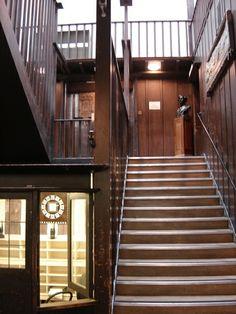 Frederik Questier - Photo: Scotland Glasgow School of Art [Charles Rennie Mackintosh] Stairs Architecture, Architecture Details, Architecture Images, Art Nouveau, Art Deco, Glasgow School Of Art, Art School, Preschool Arts And Crafts, Charles Rennie Mackintosh