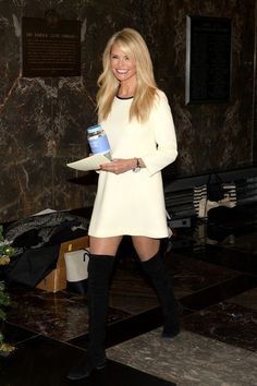 (S) Christie Brinkley Photos - Christie Brinkley Visits The Empire State Building to Celebrate 'Give a Smile, Get a Smile' Launch - Zimbio