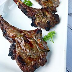 Marinated in a delicious combination of rosemary, garlic, lemon, and olive oil, these Mediterranean Lamb chops are a great addition to your Summer meals! Lamb Chop Recipes, Rub Recipes, Grilling Recipes, Cooking Recipes, Chops Recipe, Lamb Chops Marinade, Grilled Lamb Chops, Rosemary Lamb Chops