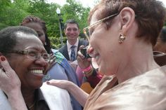 Court rules gay couples can marry immediately in Chicago-