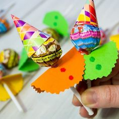 Kids Crafts, Preschool Crafts, Diy And Crafts, Paper Crafts, Birthday Return Gifts, Birthday Diy, Birthday Gifts, Birthday Parties, Clown Party