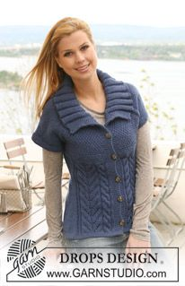 """Knitted DROPS jacket with short raglan sleeves in """"Alaska"""". Size S - XXXL. ~ DROPS Design"""