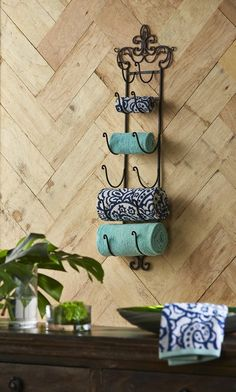 This beautiful Fleur de Lis iron wall rack is extremely versatile. Great in the bar to hold wine or in the bathroom to display towels. Wine Bottle Rack, Bottle Wall, Wine Bottles, Wine Rack For Towels, Craft Stick Crafts, Diy Crafts, Hanger Crafts, Wine Shelves, Vintage Wine