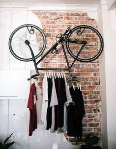 Rangements : les penderies ne se cachent plus ! Dressing vélo