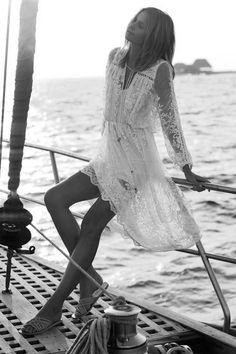 Honeymoon Style Inspiration | Lace dress Beach Luxe | www.closetwhite.com