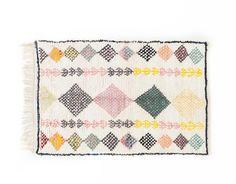 120x186cm #nuevacolección 💚  #boucherouite Textiles, Quilts, Blanket, Instagram, Quilt Sets, Blankets, Fabrics, Log Cabin Quilts, Cover