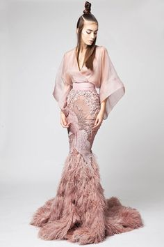 Elio Abou Fayssal - Spring/Summer Couture 2016 Post with 0 votes and 883 views. Style Haute Couture, Couture Fashion, Runway Fashion, High Fashion, Haute Couture Gowns, 80s Fashion, Fall Fashion, Boho Fashion, Fashion Online
