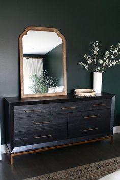 Dark Wood Dresser Decor Guest Rooms 33 Ideas For 2019 Dark Wood Dresser, Dark Wood Bedroom Furniture, Green Dresser, Black Dressers, Black Furniture, Furniture Decor, Dark Green Rooms, Rooms Ideas, Bedroom Ideas