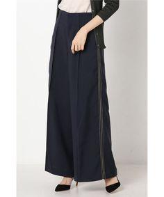 ベイクルーズ運営のIENA(イエナ)公式通販サイト。IENA LA BOUCLE サイドラインワイドパンツ◆を送料無料、最短翌日お届け、通常3%ポイント還元。オンラインで店舗在庫の確認・取り置きが可能です。 Waist Skirt, High Waisted Skirt, Trousers, Pants, Fasion, Poppy, Peach, Skirts, Trouser Pants