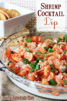Cocktail Dip Cream cheese topped with shrimp tossed in cocktail sauce, and sprinkled with Parmesan - the best way to serve shrimp cocktail to a crowd! Appetizer Dips, Yummy Appetizers, Appetizer Recipes, Dessert Recipes, Shrimp Appetizers, Shrimp Dishes, Cupcake Recipes, Dip Recipes, Seafood Recipes