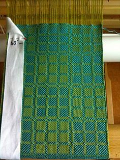 Great site, full of ideas. Rigid heddle loom | Dorothy Stewart