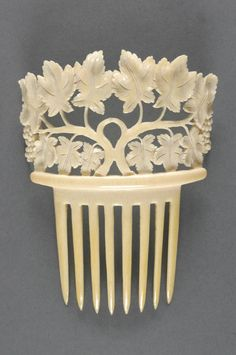 Comb, 19th century, Spain, Ivory, Length: 5 1/4 inches (13.3 cm)