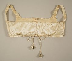 Bodice Date: ca. 1800 Culture: American Medium: [no medium available] Dimensions: Length: 26 in. cm) Credit Line: Bequest of Maria P. Historical Costume, Historical Clothing, Women's Clothing, Regency Dress, Regency Era, Vintage Outfits, Vintage Fashion, Period Outfit, Period Costumes