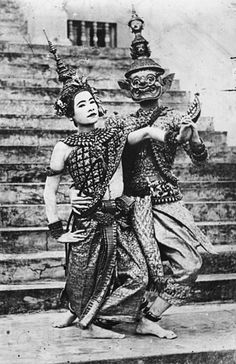 World of Ethno Classical dancers, as Sita and Ravana, of the Royal Palace in Phnom Penh, Cambodia. Ballet Real, Royal Ballet, Ballet Dancers, Laos, Cambodia Beaches, Vietnam, Khmer Empire, Thailand Photos, Hat Yai