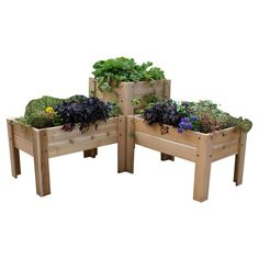 Great planter for the corner of the deck.