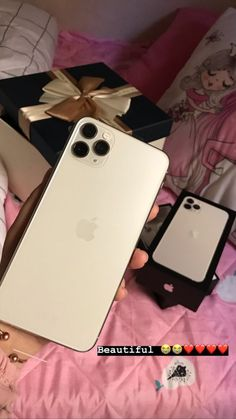 Want an iPhone x for free? Here is your chance to win a beautiful brand new iPhone x for your life Want an iPhone 11 for free? Here is your chance to win a beautiful brand new iPhone 11 for your life! Don't miss the chance! Get it now! Iphone Phone, New Iphone, Apple Iphone, Iphone Cases, Iphone Ringtone, Iphone Charger, Telefon Apple, Get Free Iphone, Accessoires Iphone