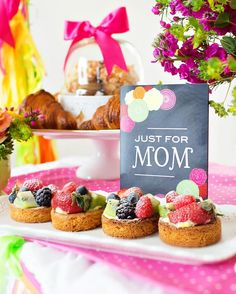 """Shower mom with dozens of gifts this Mother's Day. We love this bright and happy """"Coffee with Mom"""" brunch featuring Tiny Prints gifts and more. Mothers Day Decor, Best Mothers Day Gifts, Mothers Day Brunch, Happy Mothers Day, Happy Coffee, Easy Diy Crafts, Morning Coffee, Party Time, Sweet Treats"""