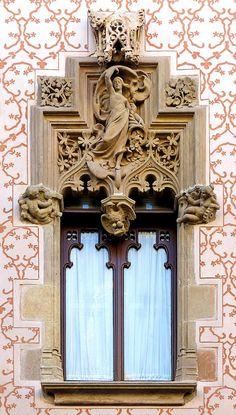 Casa Coll i Regàs  1898  Architect: Josep Puig i Cadafalch