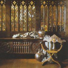 Medieval & Tudor, Stuart Interiors - love the leaded windows! |Pinned from PinTo for iPad|